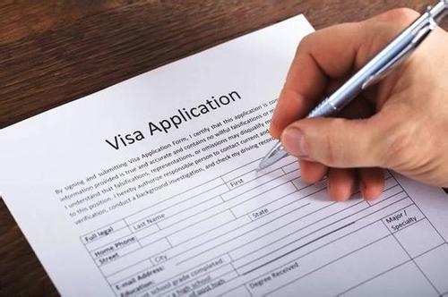 美国提高入境货件的最低免税申报金额标准